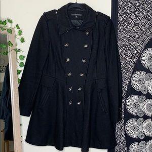 Black balloon trench coat